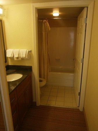Residence Inn Tysons Corner Mall:                   Bathroom