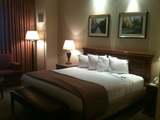 Harrah's North Kansas City:                   Bed