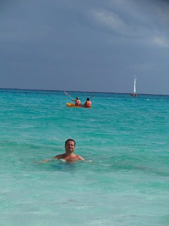 Hotel Riu Playacar:                   En el mar de Playa del Carmen