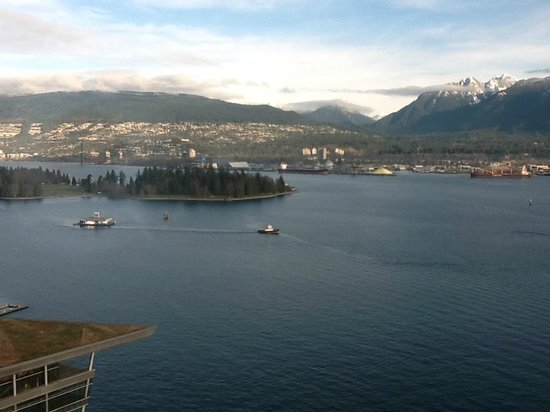 Pan Pacific Vancouver:                   View from the Pacific Club Lounge
