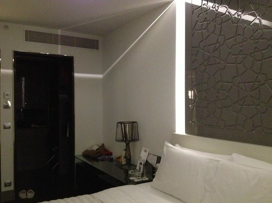 Le Méridien Istanbul Etiler:                   Walk-in closet.