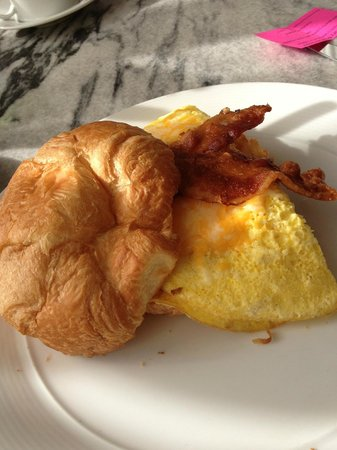Hotel Gibbs Downtown San Antonio Riverwalk:                   Restaurant - breakfast sandwich
