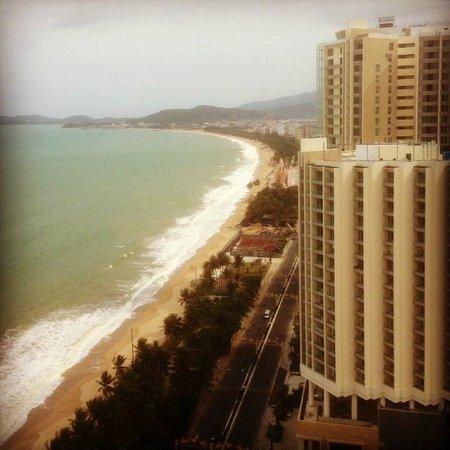 Sheraton Nha Trang Hotel and Spa :                   Вид из номера днем
