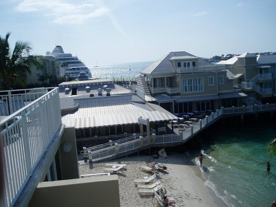 Pier House Resort & Spa:                   Restaurant