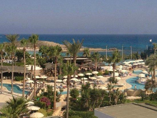 Adams Beach Hotel:                   вид с балкона                 