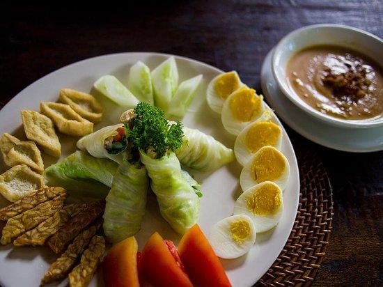 Junjungan Ubud Hotel and Spa:                   gado-gado (lunch à la carte)