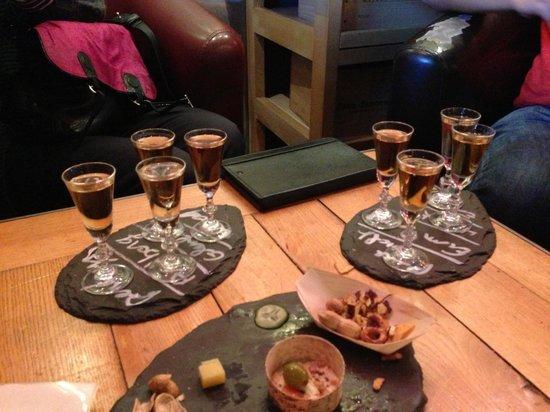 More Mountain - Chalet Jirishanca:                   Whisky and rum tasting (le coup de coeur de la chamade)