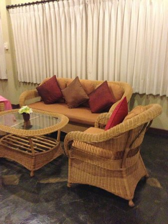 Viva Vacation Resort:                   Living room