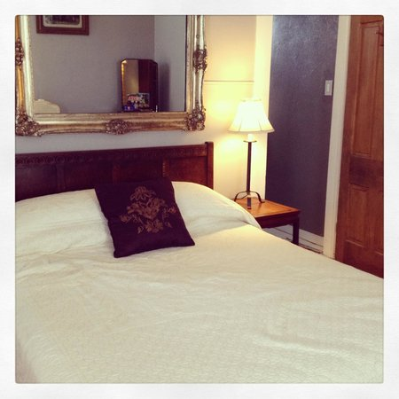 O'Casey's Boutique Inn:                   Main bedroom