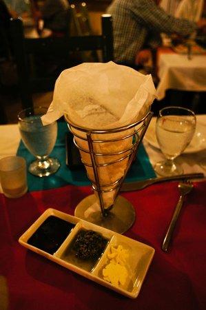 Delirius:                   bread, pesto, balsamic vinegar, butter