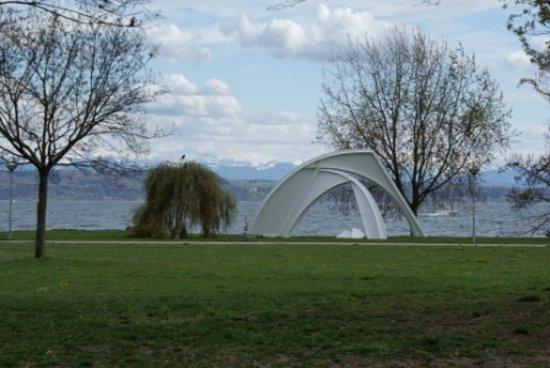 Lac de Neuchâtel :                                     Jeunes Rives
