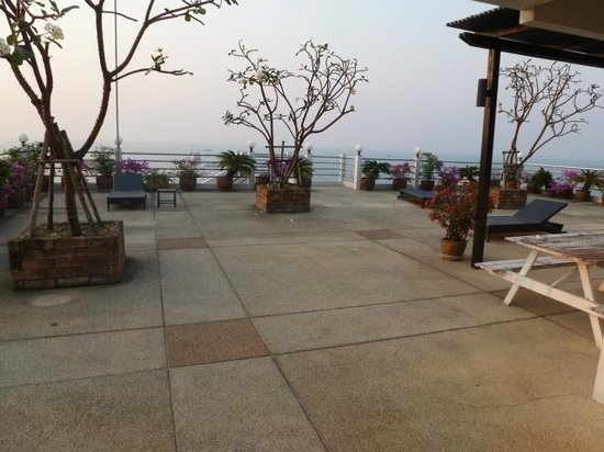 Grand Hotel Pattaya:                   The roof