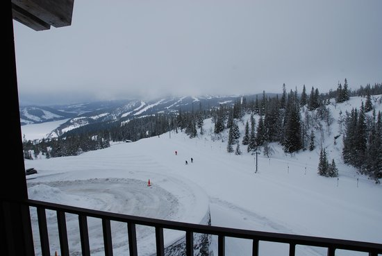 Copperhill Mountain Lodge:                   ski