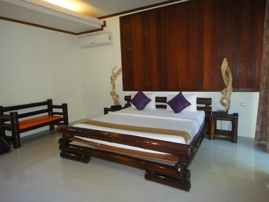 Paradise Resort Phi Phi:                   room