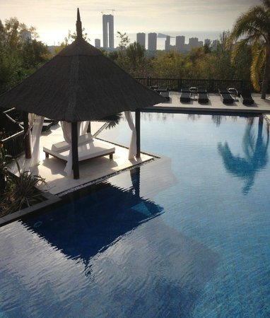 Barcelo Asia Gardens Hotel & Thai Spa:                   pool area