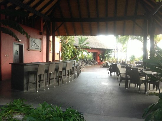Asia Gardens Hotel & Thai Spa, a Royal Hideaway Hotel:                   Lunch dining