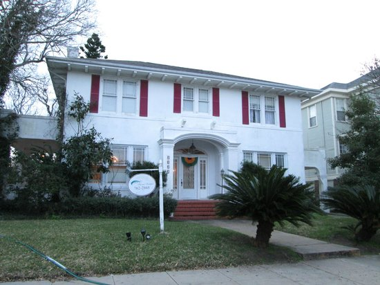Avenue O Bed and Breakfast : Front of B&B