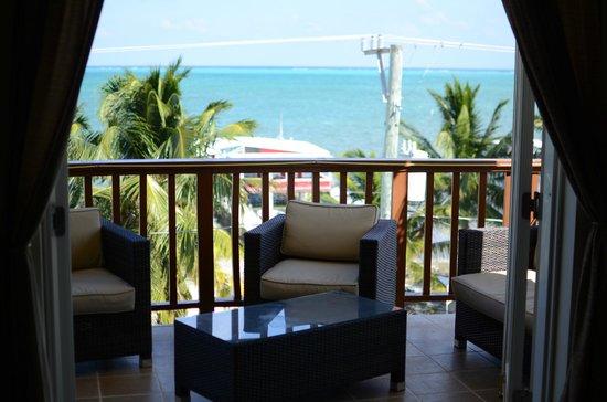 CayeReef:                   Balcony