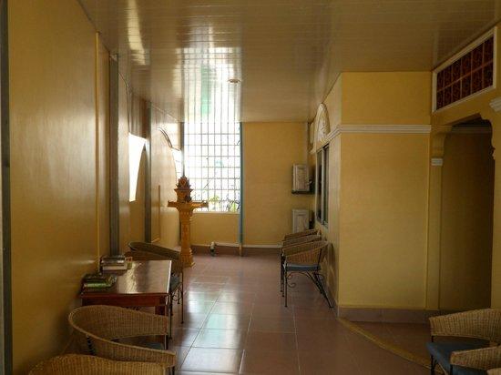 Indochine 2 Hotel & Restaurant:                   vierter stock - aufenthaltsbereich