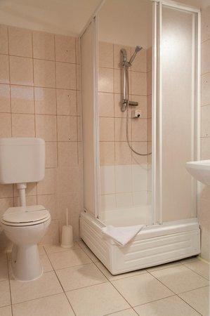 Melody: Bathroom2