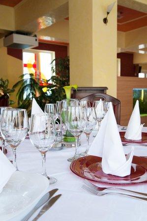 Melody: Restaurant view