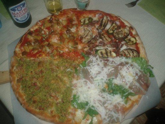 Pizzeria Quattro Quarti: Pizza