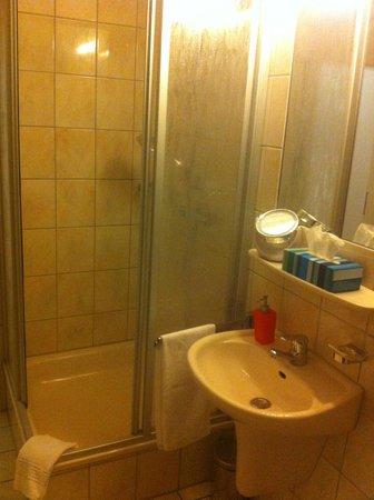 Hotel am Kastell :                   Room 32