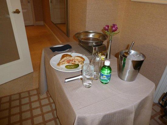 وين لاس فيجاس:                   delicious room service                 