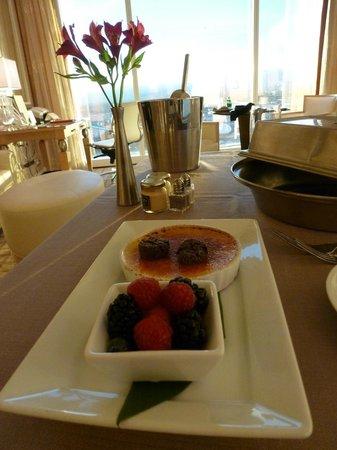 وين لاس فيجاس:                   Amazing creme brulee room service                 