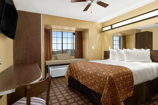 Microtel Inn & Suites by Wyndham Round Rock : 2 Bed Room