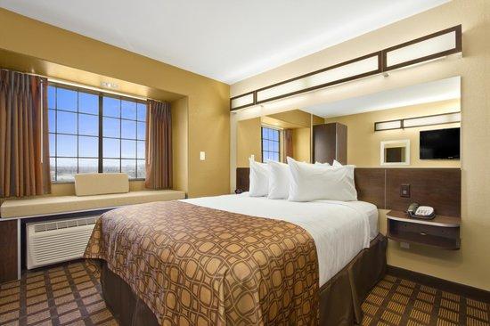 Microtel Inn & Suites by Wyndham Round Rock : 1 Bed Room