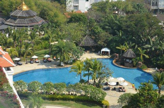 Shangri-La Hotel, Chiang Mai:                   Pool