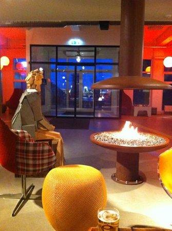 Icelandair Hotel Reykjavik Marina:                   a toasty figure !