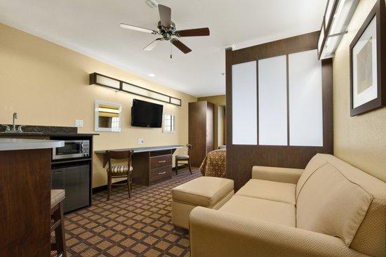 Microtel Inn & Suites by Wyndham Round Rock: 1 Bed Suite