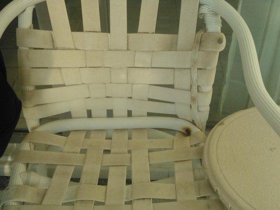 Tesoro Manzanillo:                   Una de las sillas en mi balcón