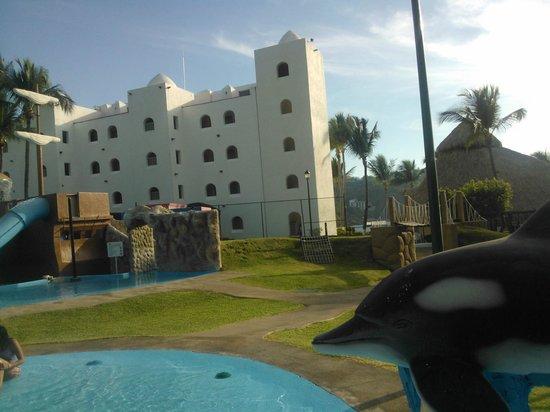Tesoro Manzanillo:                   Vista desde el club de niños