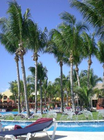 Barcelo Maya Tropical:                   Beach