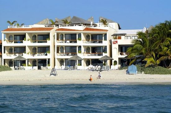 Villas DeRosa Beach Resort: condo by the sea