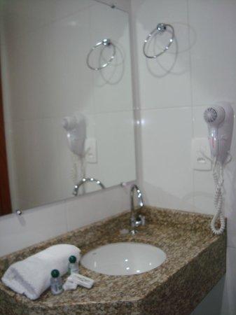 Blu Terrace Hotel : Banheiro apartamento de Luxo