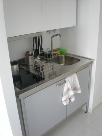 Lisbon Short Stay Apartments Baixa:                   kitchenette