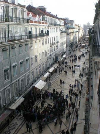 Lisbon Short Stay Apartments Baixa:                   The view from the balcony of Rua Augusta