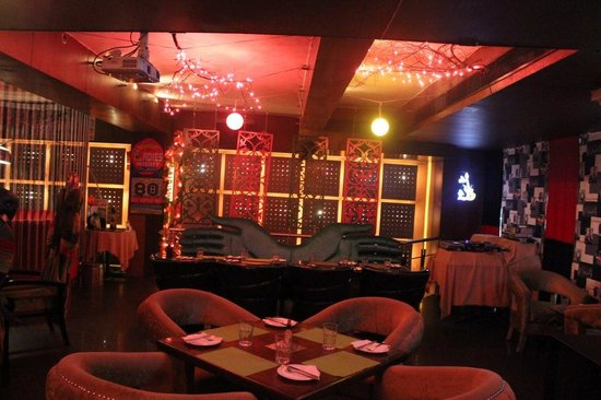 Movida Cafe & Bar