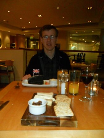 Holiday Inn London - Heathrow Ariel:                   Chocolate fudge cake and the cheese board - mm!