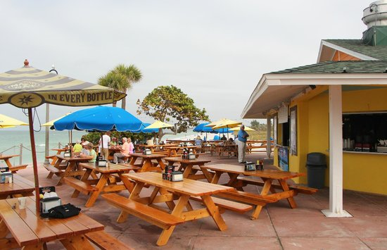 Outdoor seating at Paradise Grille