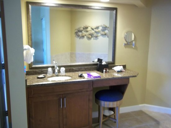 Sheraton Broadway Plantation Resort Villas:                   bedroom sink/ make-up
