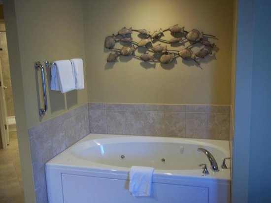 Sheraton Broadway Plantation Resort Villas:                   whirlpool tub