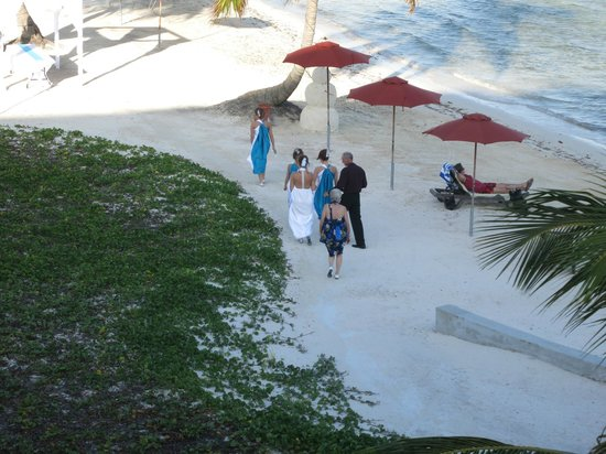 Grand Caribe Belize Resort and Condominiums :                   a dream wedding