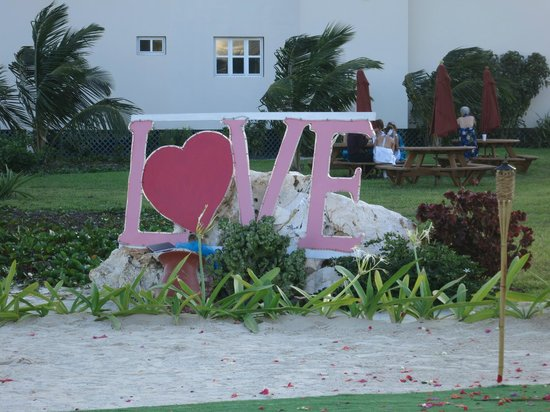 Grand Caribe Belize Resort and Condominiums:                   Valentine's Day