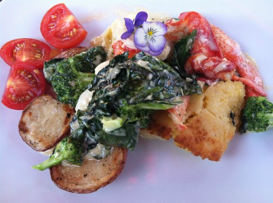 Town Hill Bistro:                   Fabulously delicious lobster salad