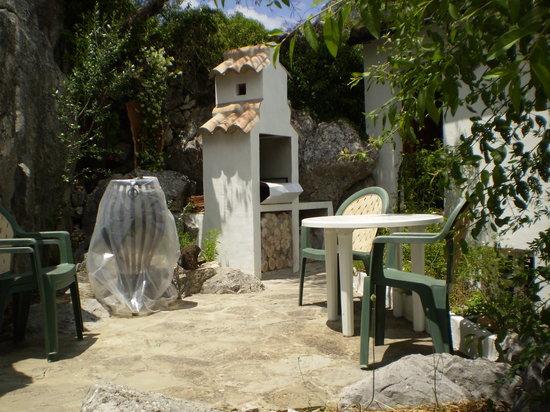 Casa El Corchito: BBQ area
